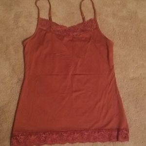 Rust colores lace tank top